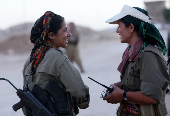 Caratteristica peculiare di HPG e YPG è l'alto numero di donne arruolate. Conseguenza diretta dell'impostazione marxista del PKK e del suo contributo all'emancipazione femminile.