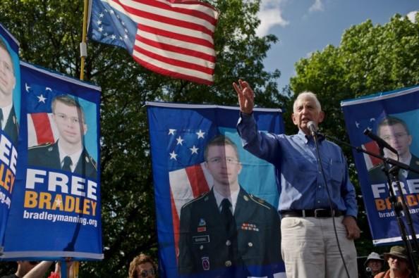 Daniel Ellsberg, a una manifestazione in favore di Bradley Manning